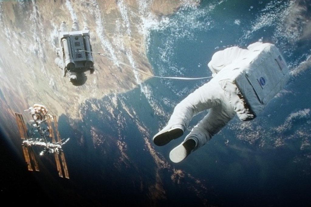 kinopoisk.ru-Gravity-2242501 (1)