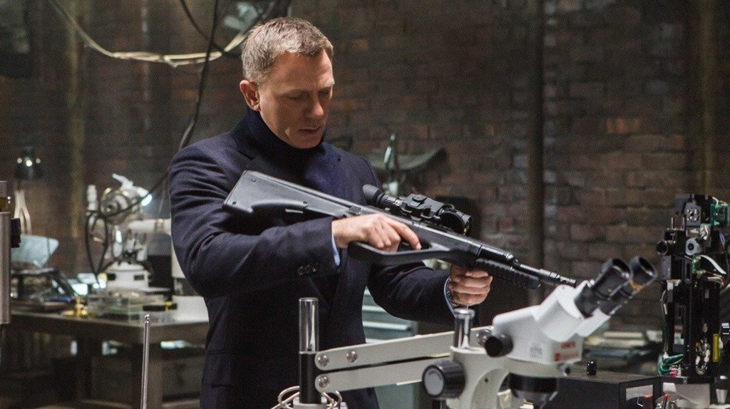 007: Спектр. Рецензия